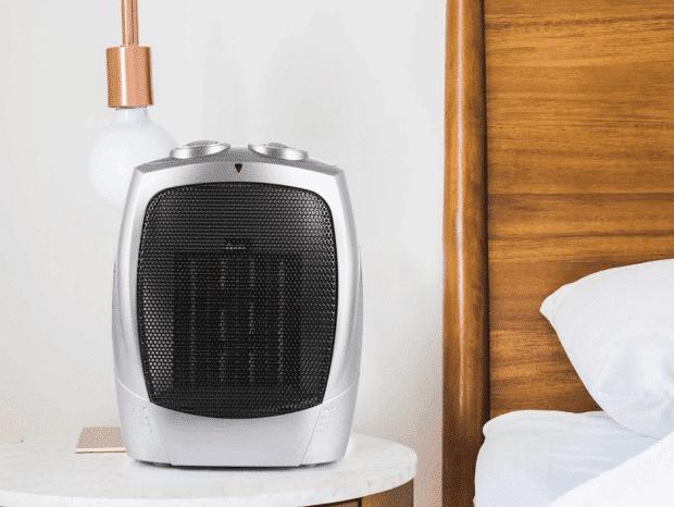 Ceramic heater heating a bedroom
