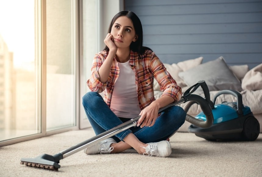 How To Get The Smell Out Of Vacuum Cleaners – 10 Effective Tips