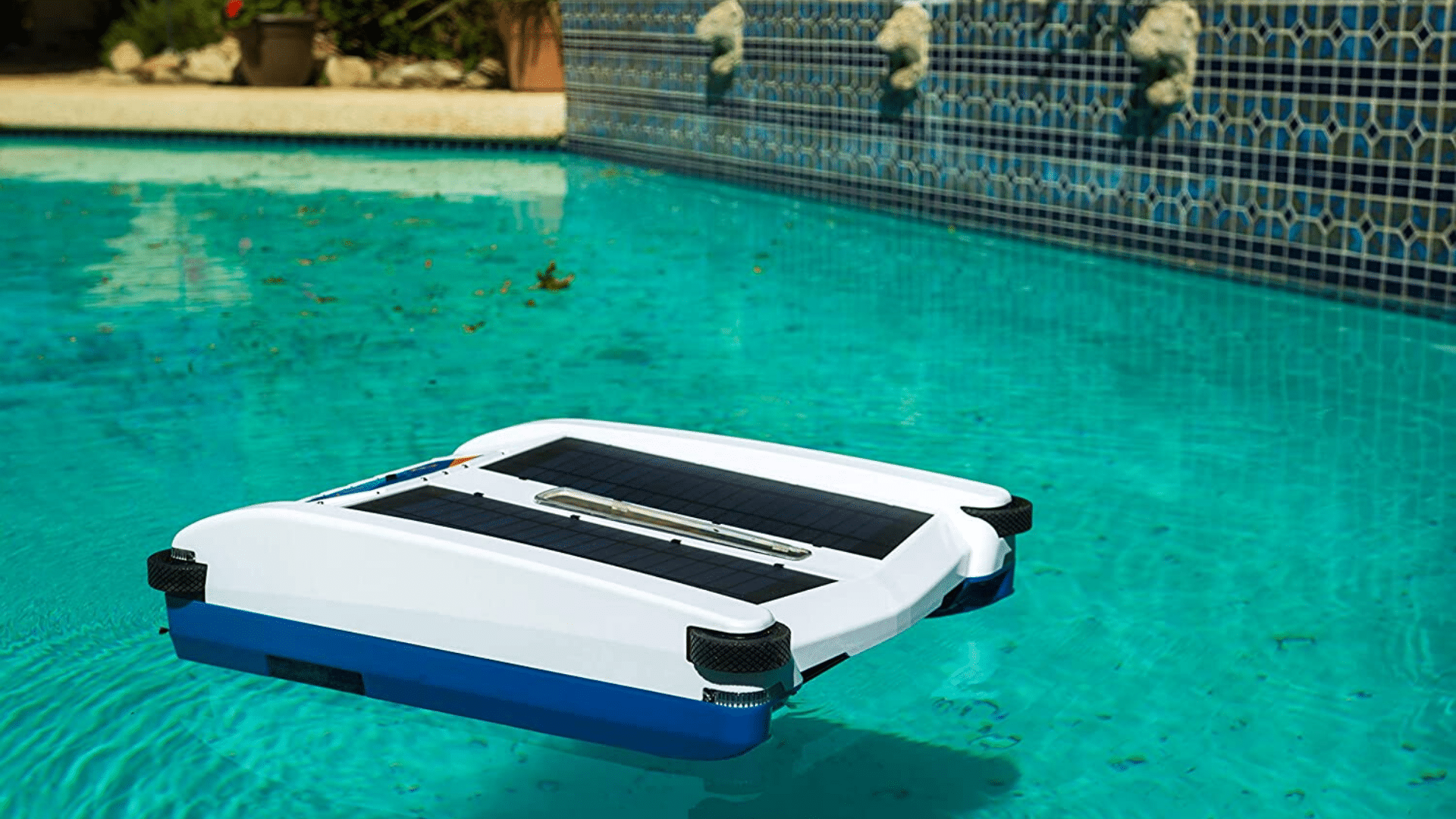 image of Solar Breeze – Automatic Pool Cleaner NX2 Cleaning Robot In Pool